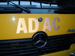 ADAC Abschleppwagen